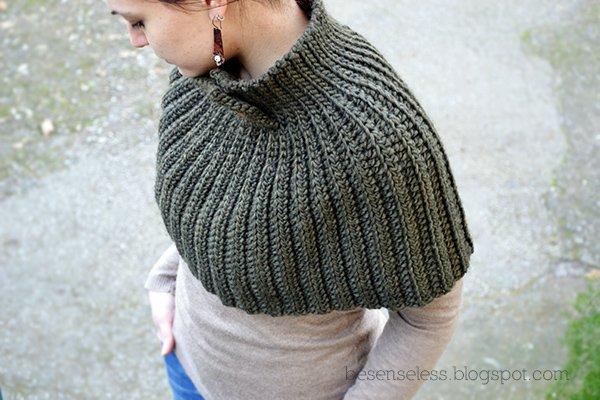Super Mantella - Crochet Cape - free pattern | Airali DP96