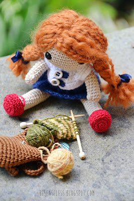 Amigurumi doll - back to school with wool - besenseless.blogspot.com