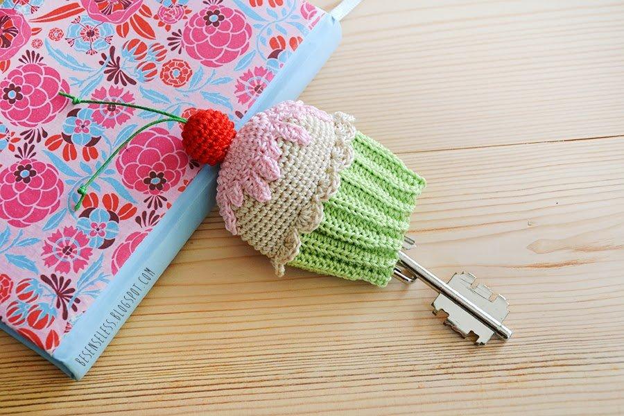 portachiavi cupcake uncinetto - crochet cupcake keyholder