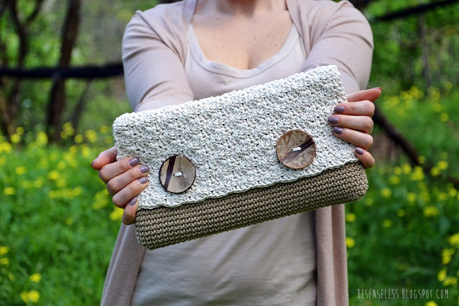 Sabbia. Crochet clutch bag. besenseless.blogspot.com