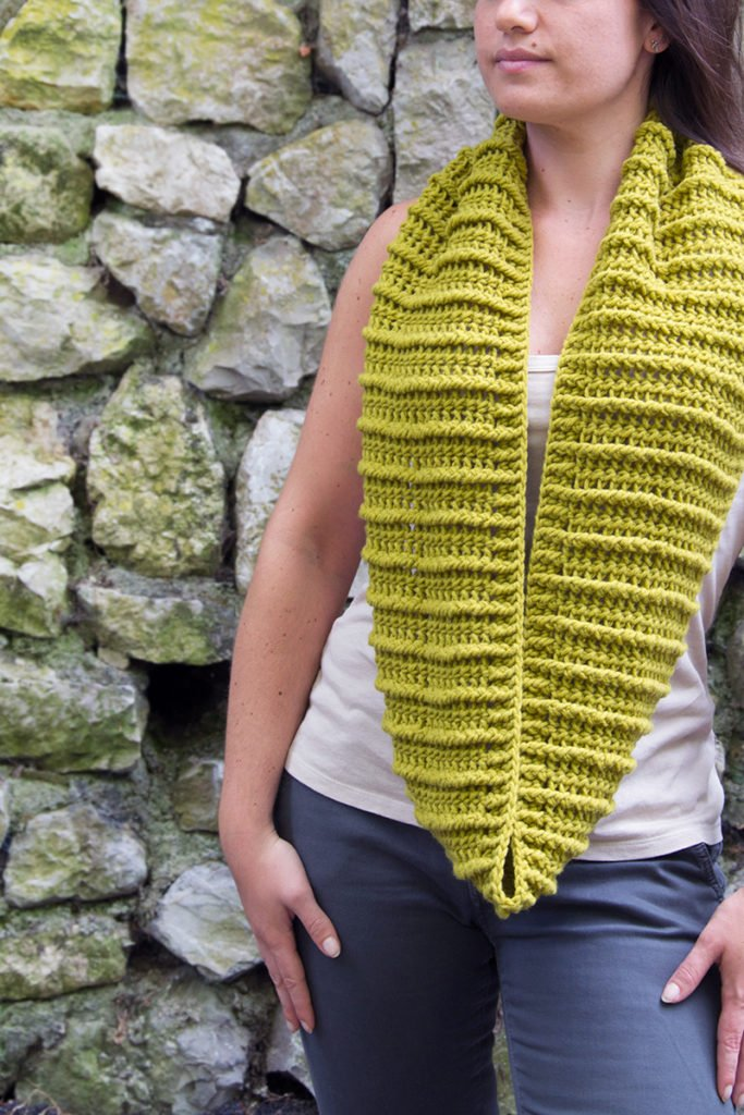 Binario Crochet Cowl - FREE pattern in August