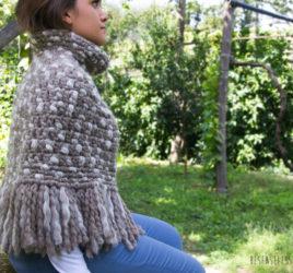 Cappa in lana naturale, soffice e calda, schema uncinetto free