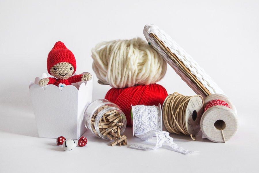 DIY Christmas packaging with yarn - Ispirazioni per pacchetti natalizi con avanzi di lana