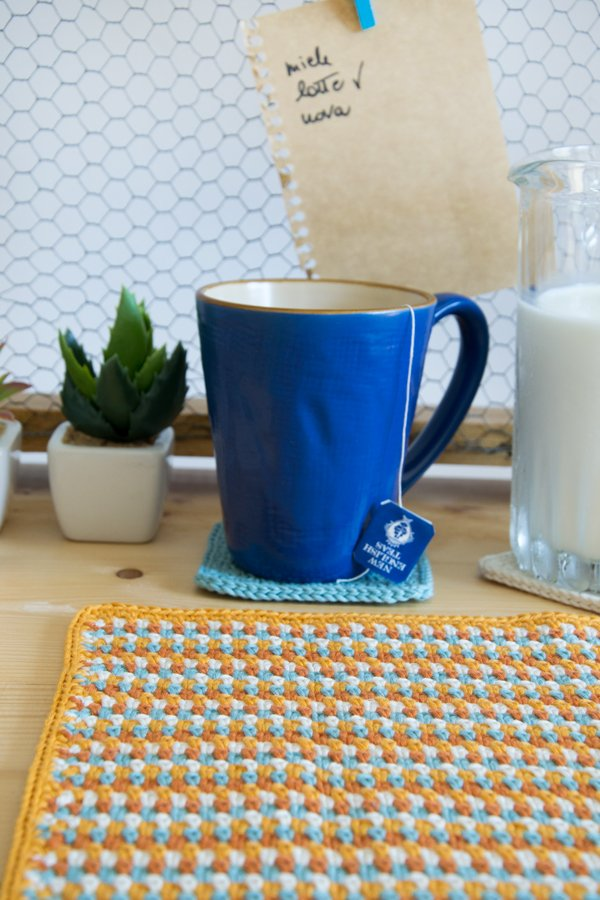 Crochet placemat and coasters - Set americano (tovaglietta e sottobichieri) all' uncinetto