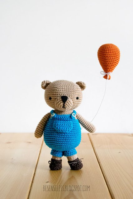 Simply Crochet - Have you seen out super-cute amigurumi... | Facebook | 640x427