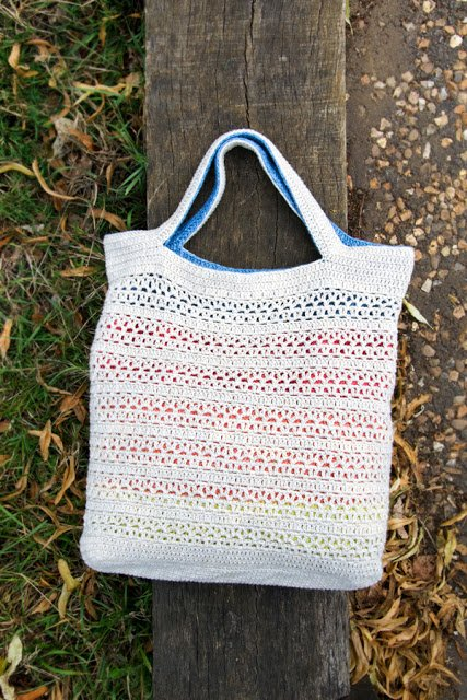 Denim. Reversible crochet bag by Airali design