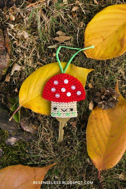 Crochet mushroom chain - Fungo portachiavi a uncinetto
