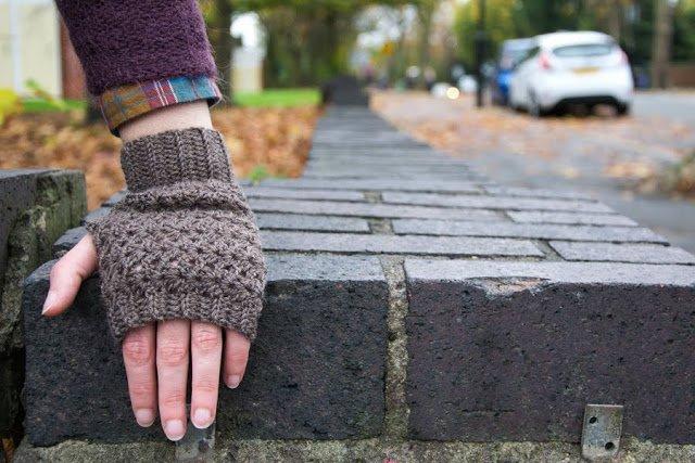 Guanti senza dita realizzati a uncinetto - Crochet fingerless gloves