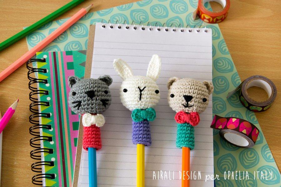 Decorazione ad uncinetto per penne e matite con facce di animali: gatto, coniglio e orso
