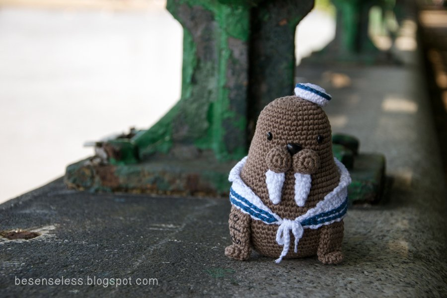 Amigurumi Walrus : Moving house with a walrus airali