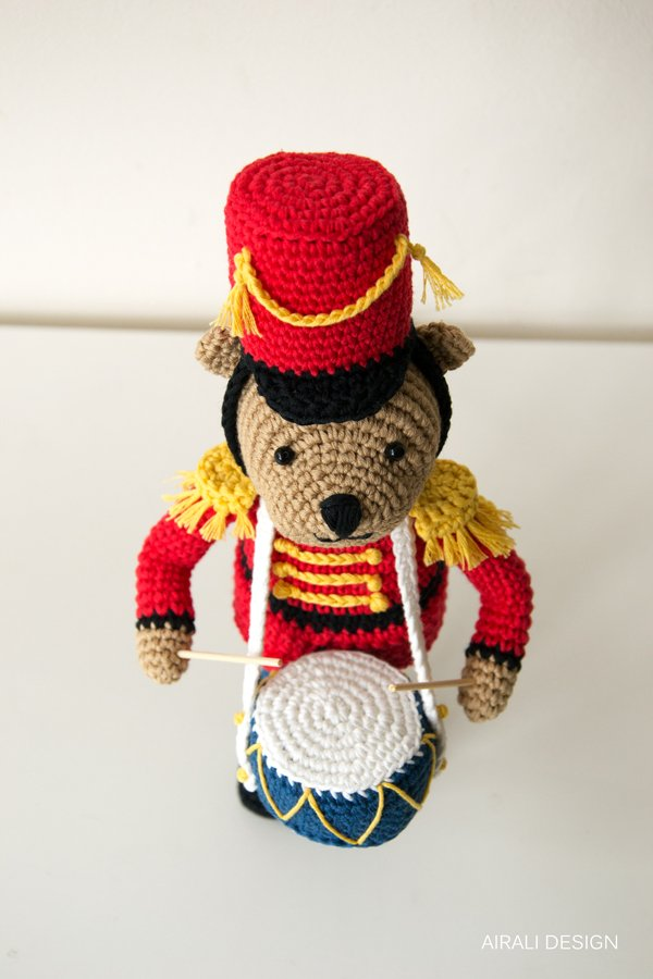 Orsetto Teddy nutcracker amigurumi uncinetto