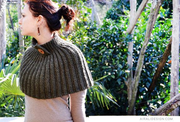 mantella crochet con lana grossa - free crochet pattern