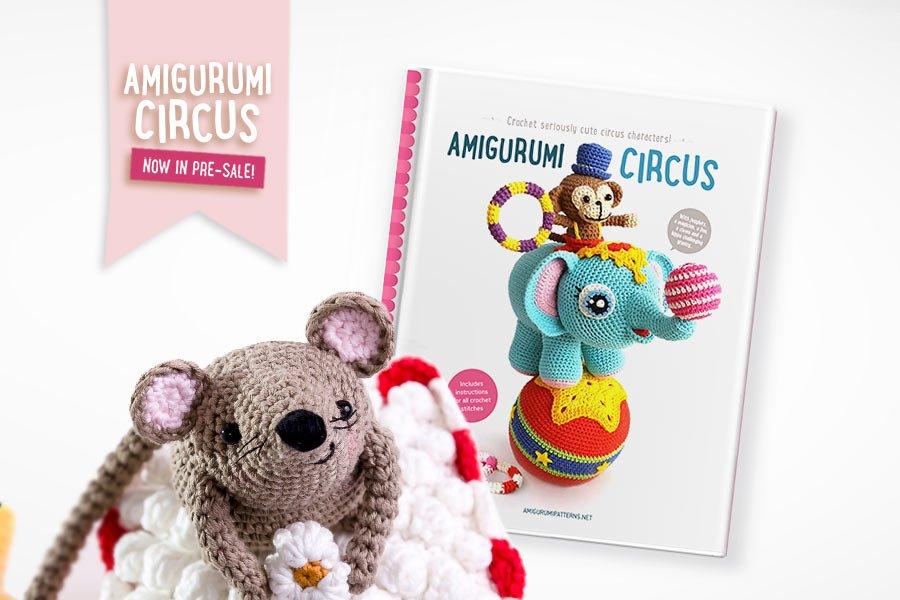 Libro Amigurumi circus con schemi in inglese per realizzare pupazzi all'uncinetto