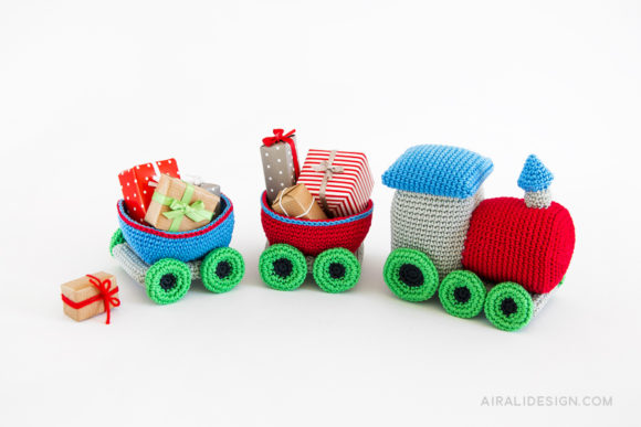 amigurumi christmas train crochet pattern