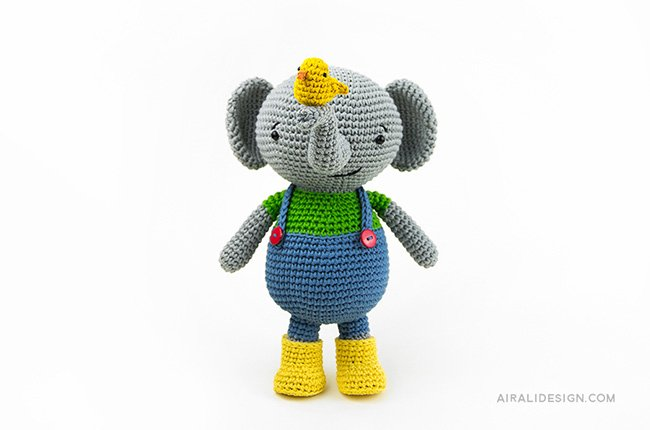 Elephant with dungaree and yellow boots. Crochet pattern from the book Amigurumi Globetrotters by Ilaria Caliri