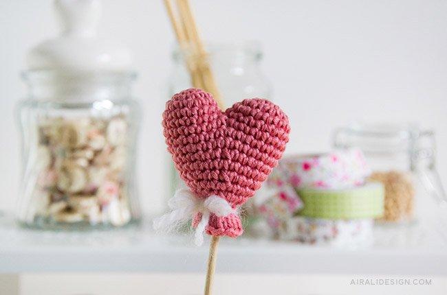 Palloncino a forma di cuore amigurumi - schema gratuito uncinetto