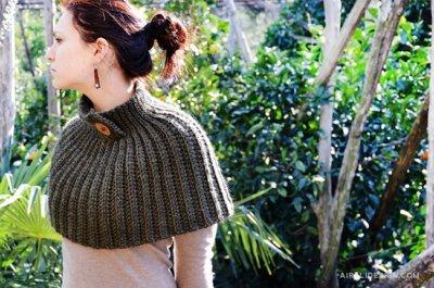 Mantella cape, brioche crochet stitch, free crochet pattern by Airali design