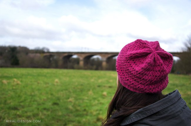 Walnut hat in fuchsia, crochet pattern by Airali design