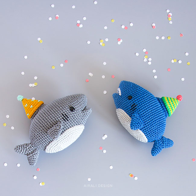 Party Shark Amigurumi - Schema Uncinetto by Airali design