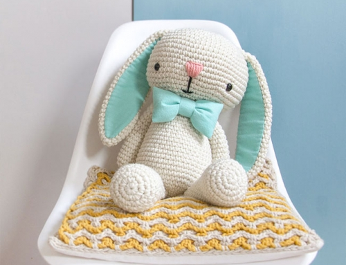 FREE amigurumi pattern! Cory the Giant Bunny