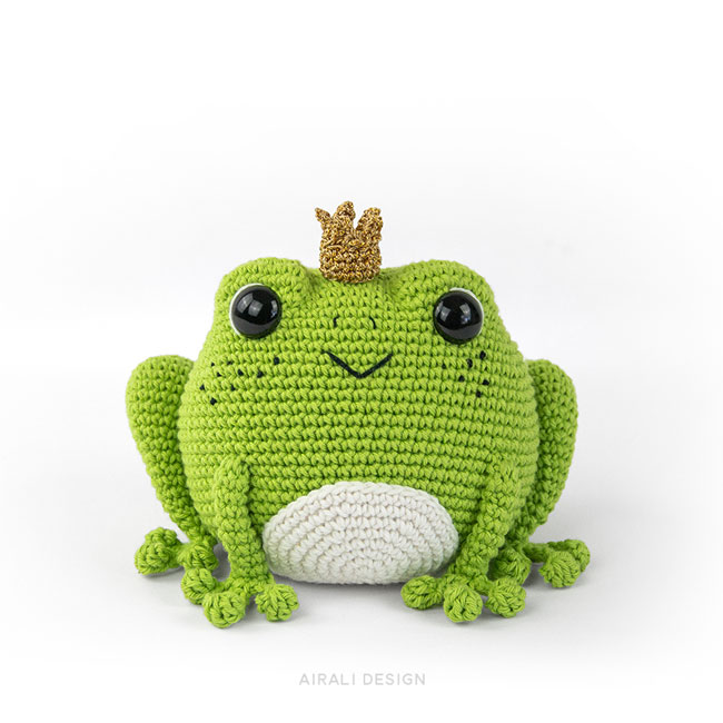 Prince Perry the Amigurumi Frog - Crochet Pattern by Airali design