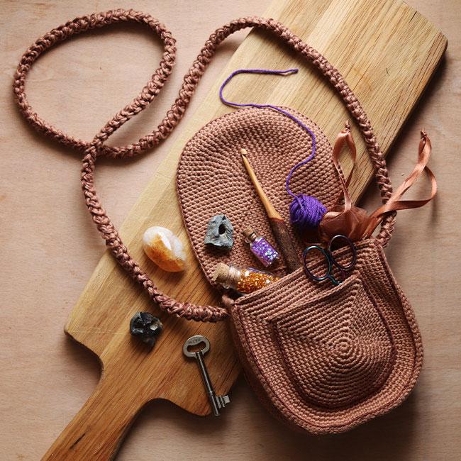 Amigurumi School of Magic 3 - Crochet Satchel bag pattern